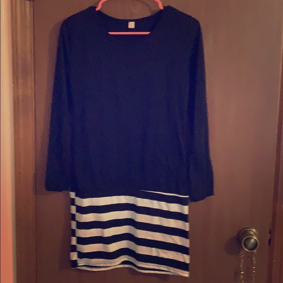 ☀️ Women's size small black and white dress
